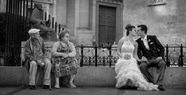 Novios y abuelos en Salamanca. Clerecía y Casa de las Conchas