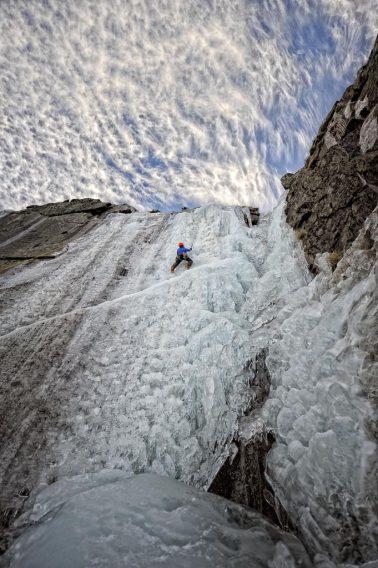 Imágenes de escalada en hielo y roca