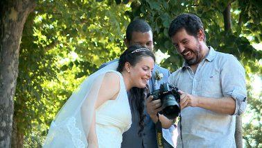 Las risas son fundamentales en una sesión de fotos de boda